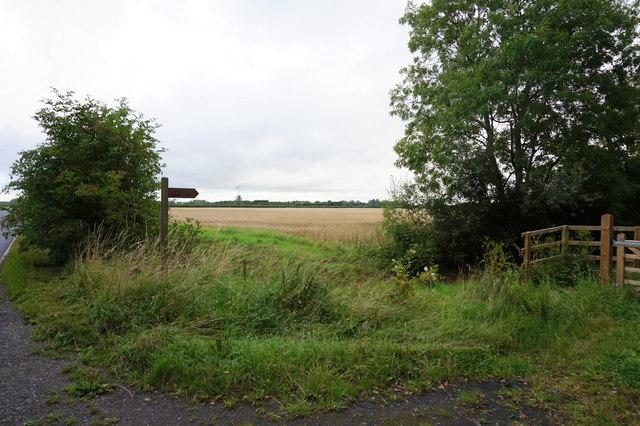 Fingerpost on Wood Lane