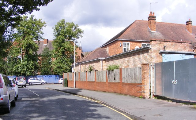 Oaks Crescent Scene