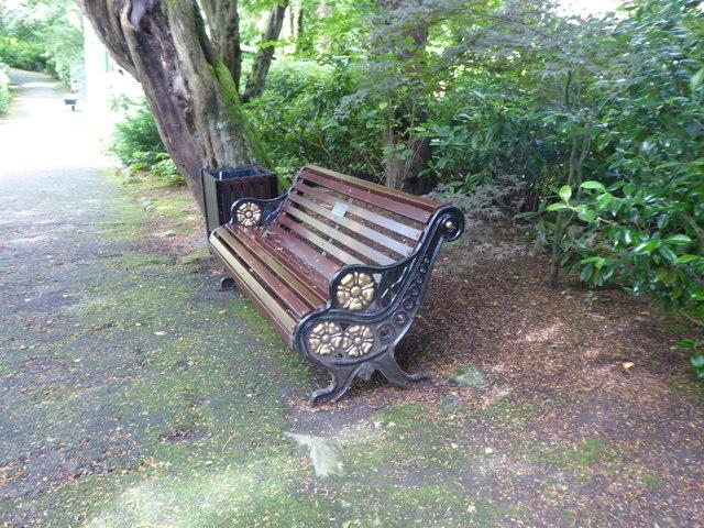 Ornamented memorial bench, Johnston Gardens