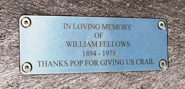 Memorial plaque on seat, Crail