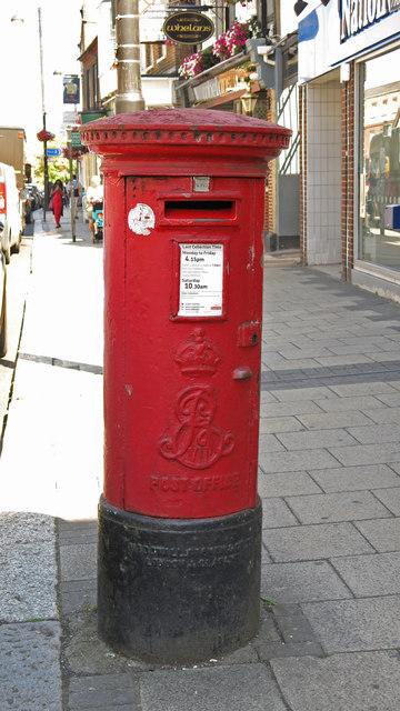 Edward VII postbox, High Street
