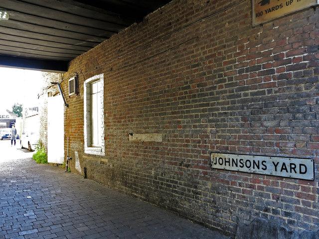 Johnsons Yard, off High Street