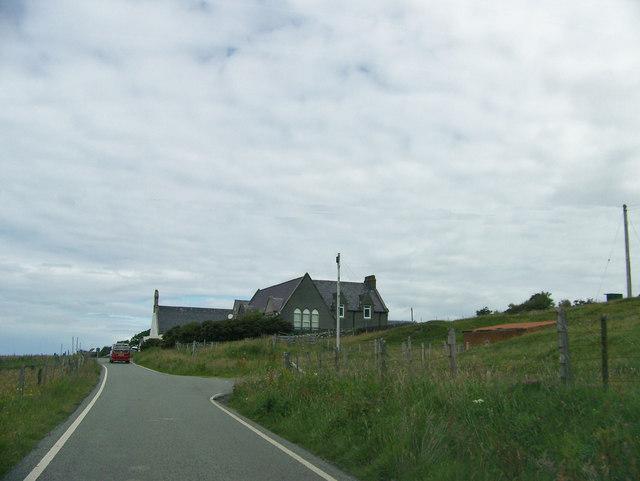 A855 approaching Kilmuir Primary School