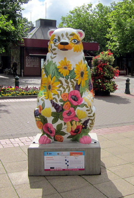 Birmingham Big Sleuth Flower Bear in Mell Square