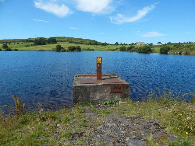 Whinhill Reservoir: sluice