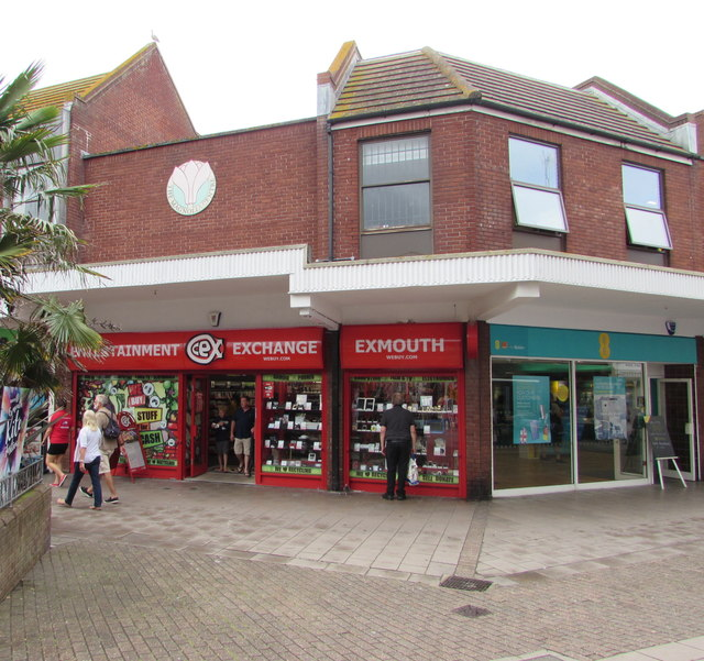 CeX and EE in Exmouth town centre