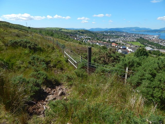 Fence above the Strone