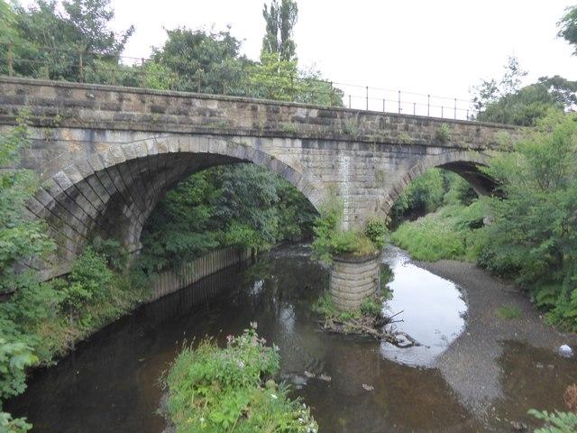 Railway bridge over White Cart Water
