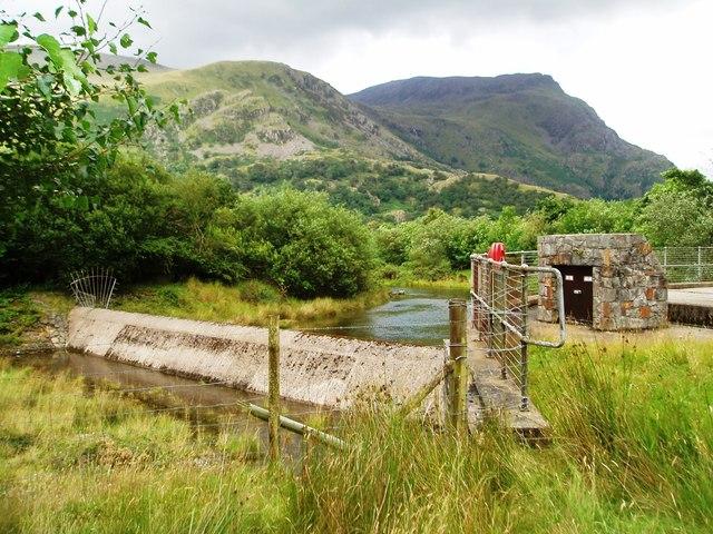 Weir, Afon Nant Peris