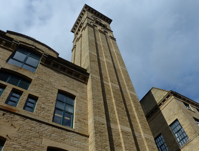 The tall chimney of New Mill