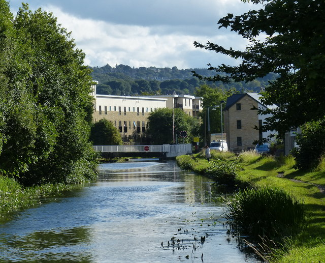 Leeds and Liverpool Canal in Shipley