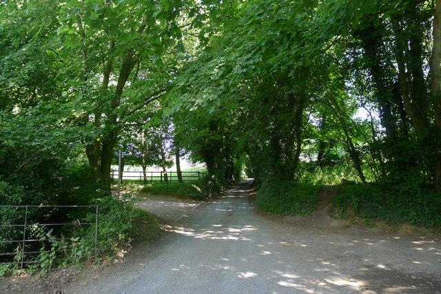 Footpath junction on Farfield road