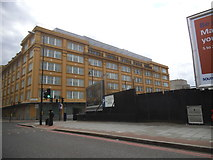 TQ3180 : Kings College block on Stamford Street by David Howard