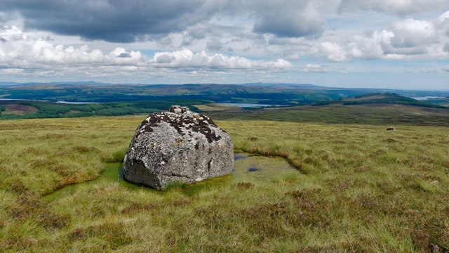Glacial erratic on Cnoc Thorcaill