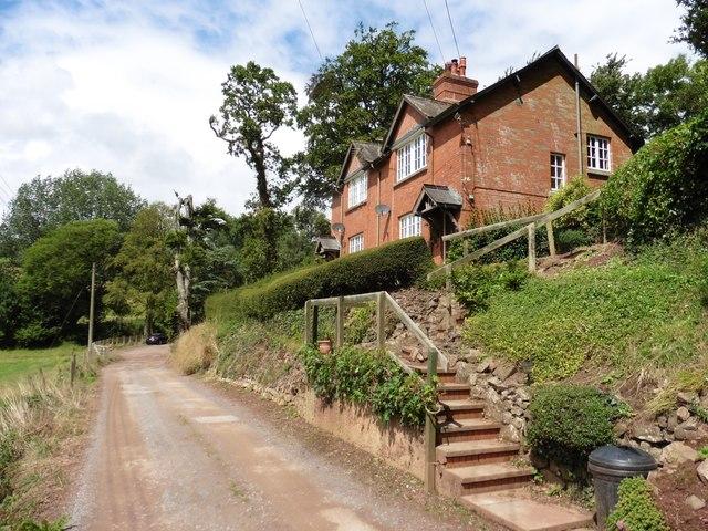 Estate cottages, Chevithorne