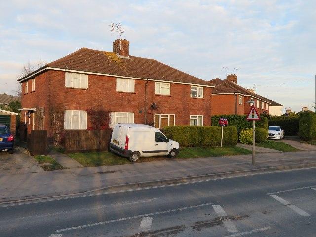 Houses on Kingsclere Road