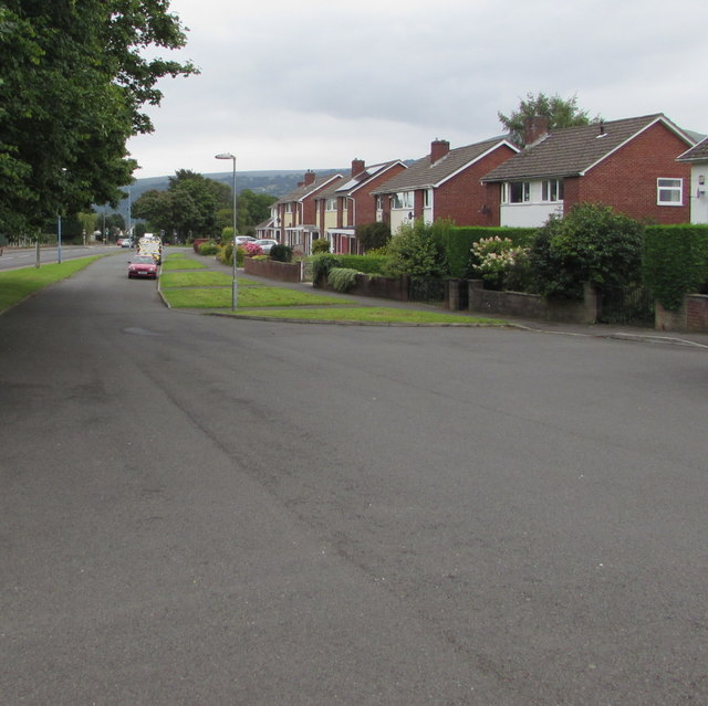South along St Francis Close, Mardy