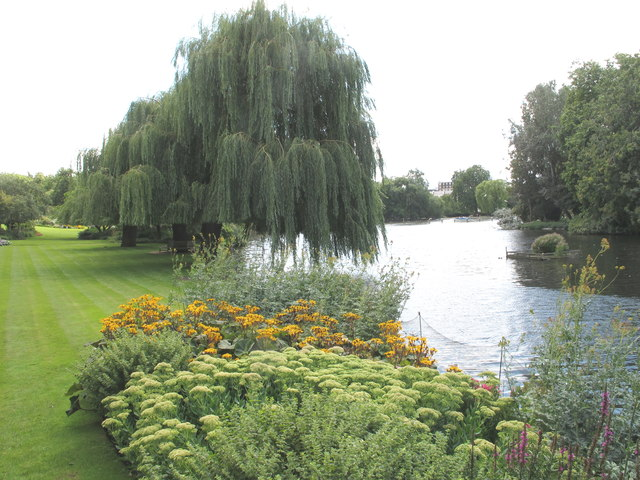 The Holme, lawn and trees by boating lake