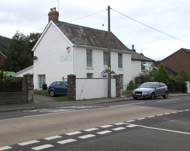Deri-Down Guest House, Hereford Road, Mardy