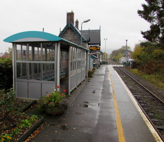 Caersws railway station platform and shelter