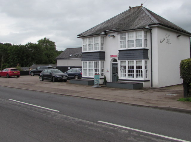 Claire Price Beauty Clinic, Mardy