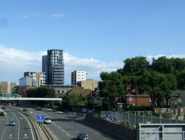 Blackwall Tunnel Northern Approach (A12), Bow