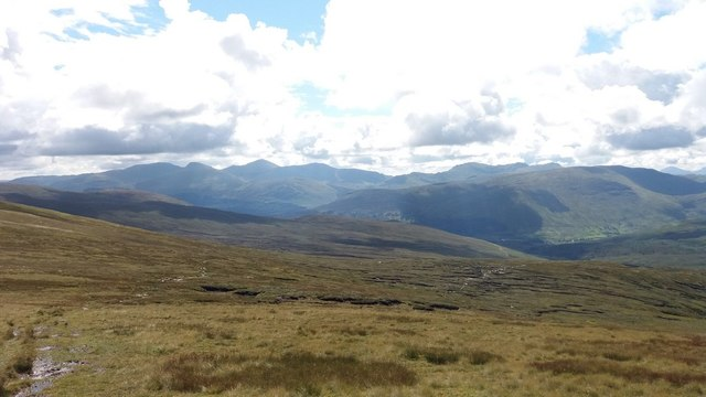 The vast slopes southeast of Meall Buidhe