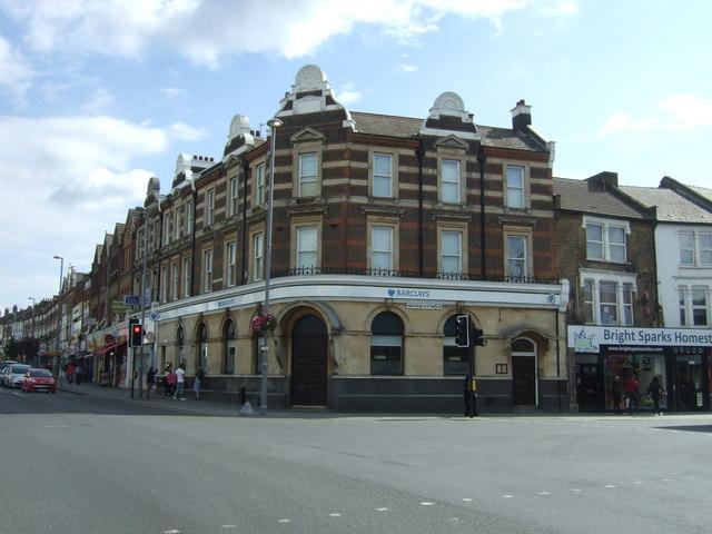 Bank on Lea Bridge Road (A104)