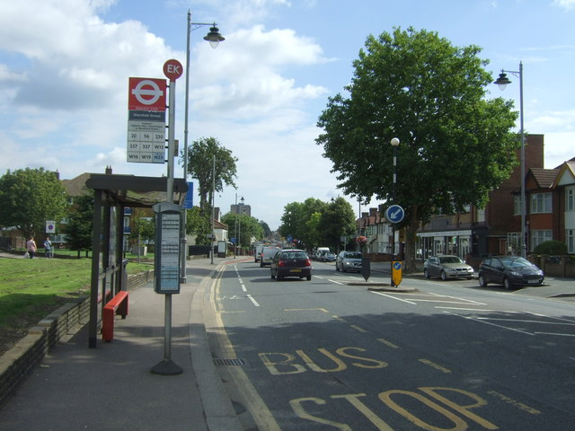 Bus stop and shelter on Lea Bridge Road (A104)