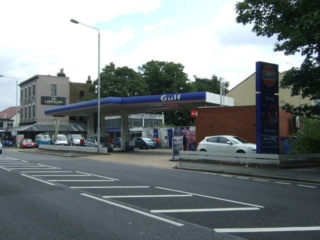 Service station on Woodford New Road (A104)