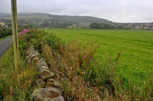 Field bordering Kinellar