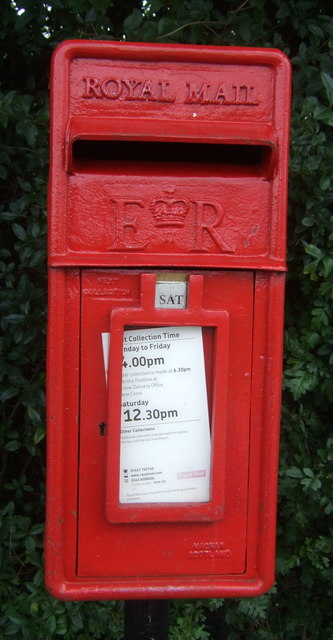 Close up, Elizabeth II postbox on Upland Road, Thornwood Common