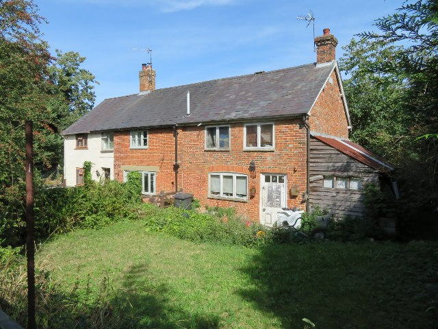 Cottages on Worting Road