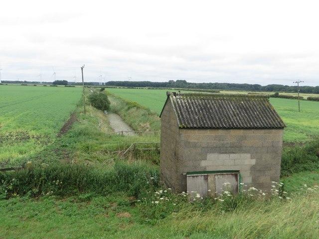 Pump house at the end of Eske Carrs Drain