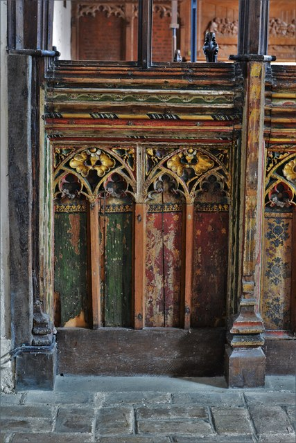 Seething, St. Margaret and St. Remigius Church: Detail of the medieval part of the screen 2