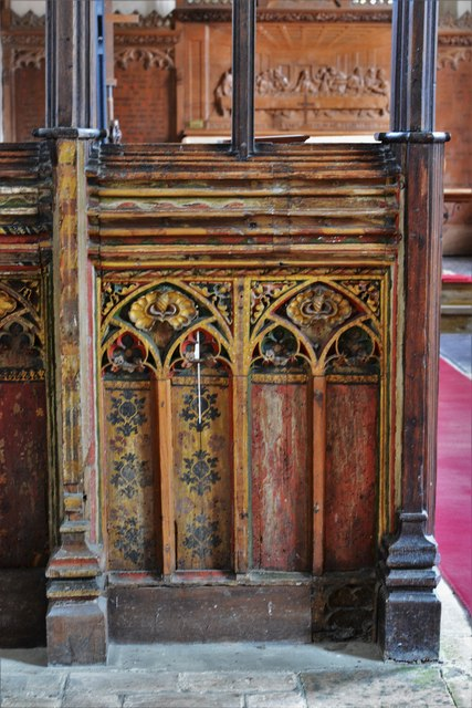 Seething, St. Margaret and St. Remigius Church: Detail of the medieval part of the screen 3