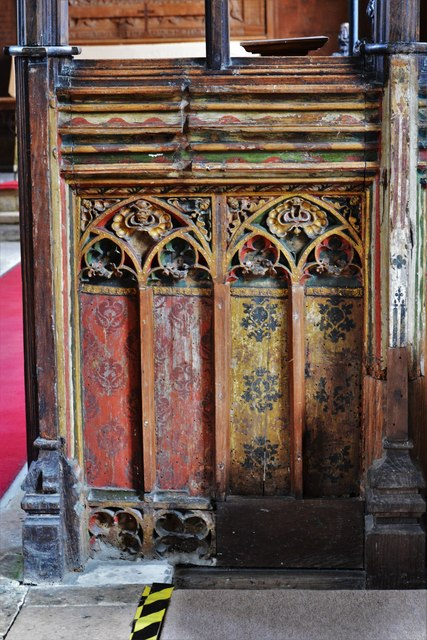 Seething, St. Margaret and St. Remigius Church: Detail of the medieval part of the screen 4