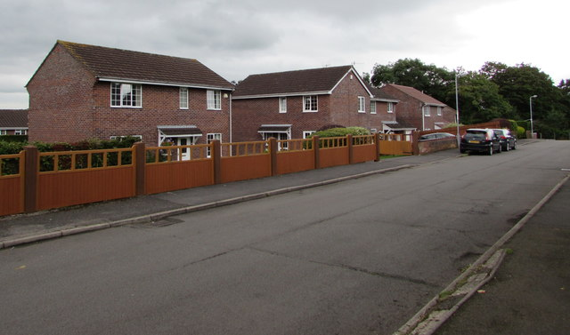 Brick houses at the southern end of Poplars Close, Mardy
