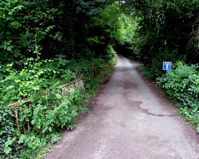 No Through Road sign, Nantgavenny Lane, Mardy