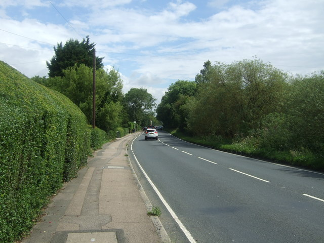 High Road (B1393), Bell Common