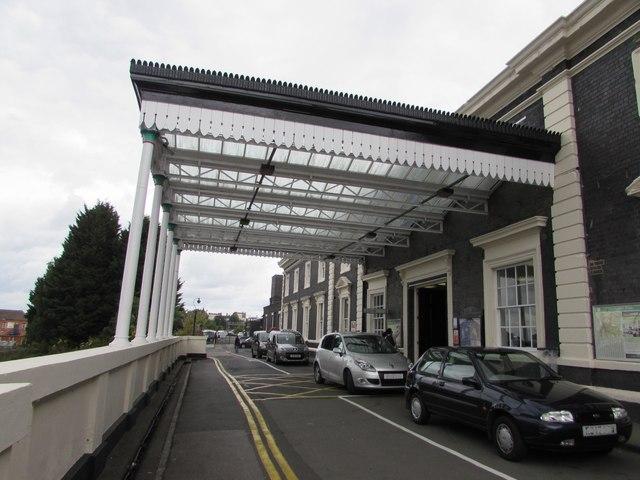 Worcester Shrub Hill railway station entrance