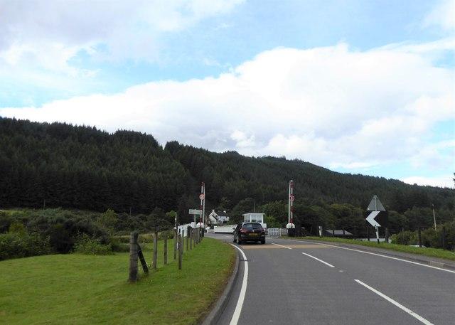 Approaching Laggan Swing Bridge