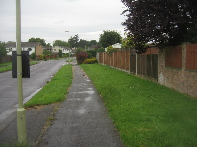 View along Avon Road