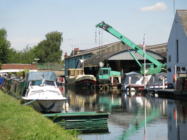 Uxbridge Boat Centre by the Grand Union Canal