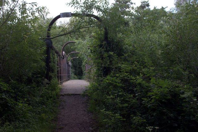 Bridge on the Wraysbury to Horton path