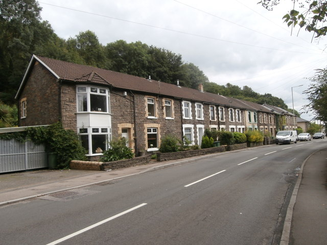 Terraced houses on the A4054, Pontypridd