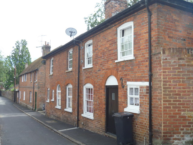 Houses in Figgins Lane