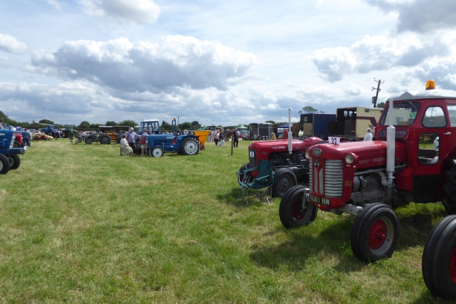 Tockwith Show: Tractor line up