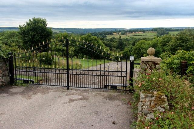 North gateway to Westfield Lodge