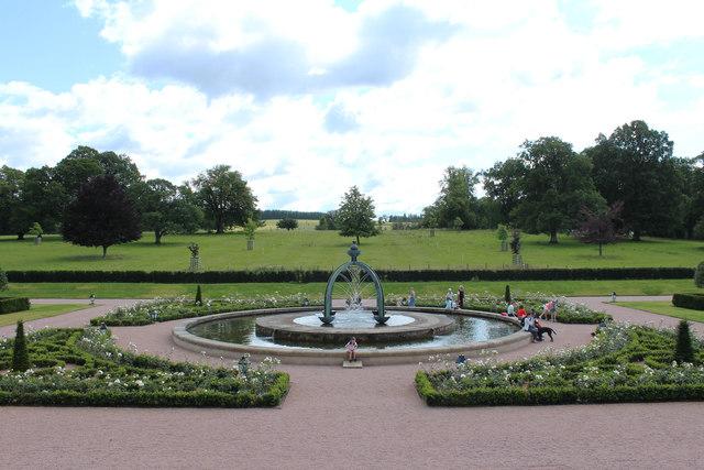 Fountain & Gardens, Dumfries House